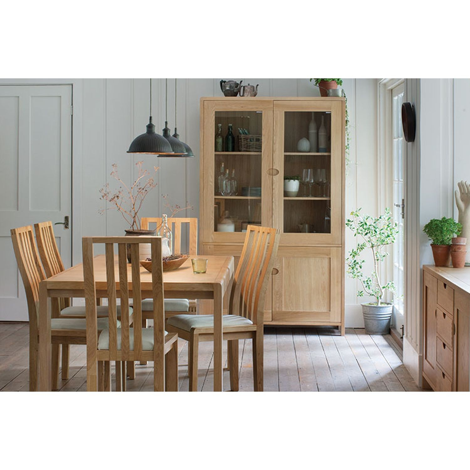 Tremendous Ercol Web Bosco Table Four Chars And Two Carvers Download Free Architecture Designs Salvmadebymaigaardcom