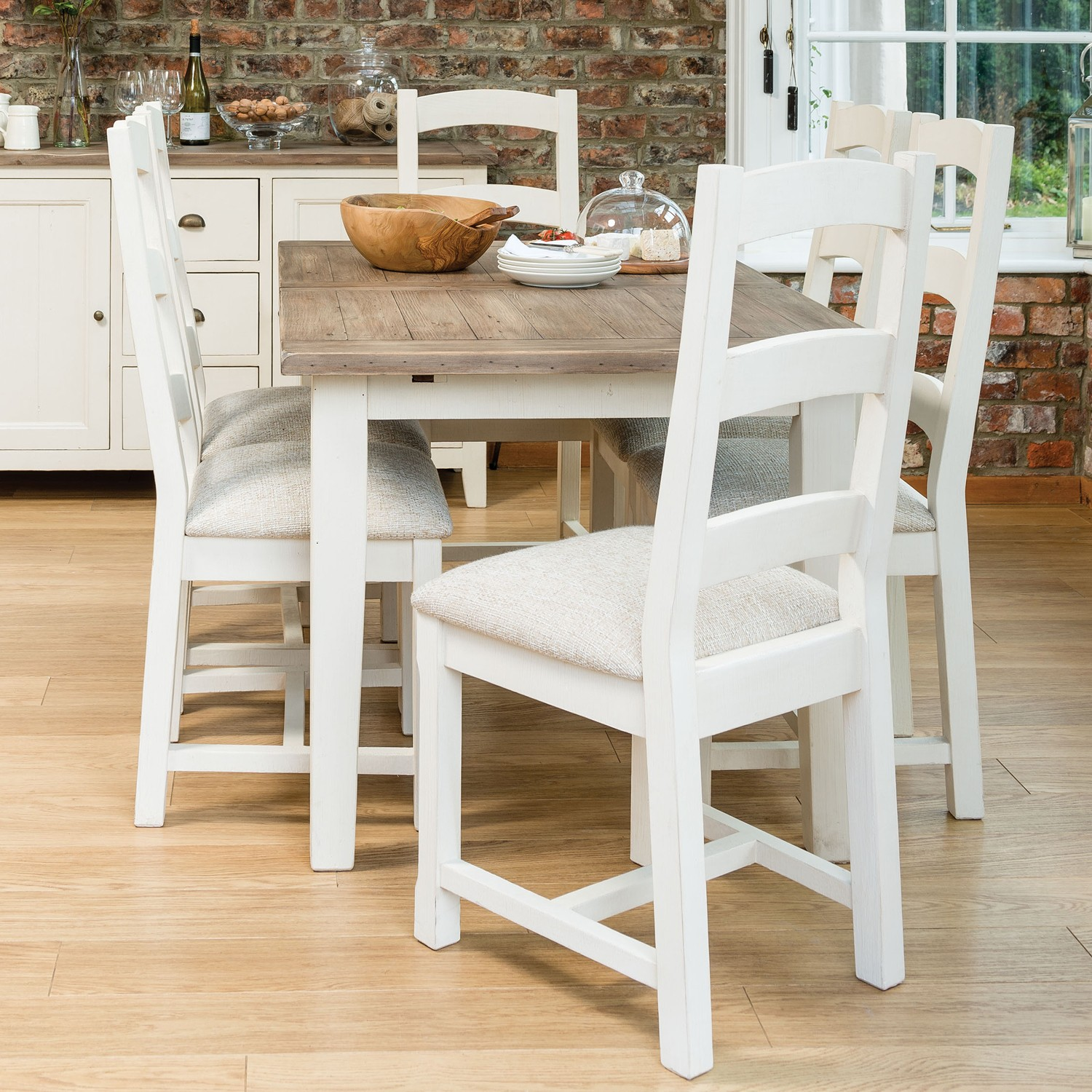 Astonishing Cotswold Two Tone Extending Table Four Chairs Dining Set Squirreltailoven Fun Painted Chair Ideas Images Squirreltailovenorg