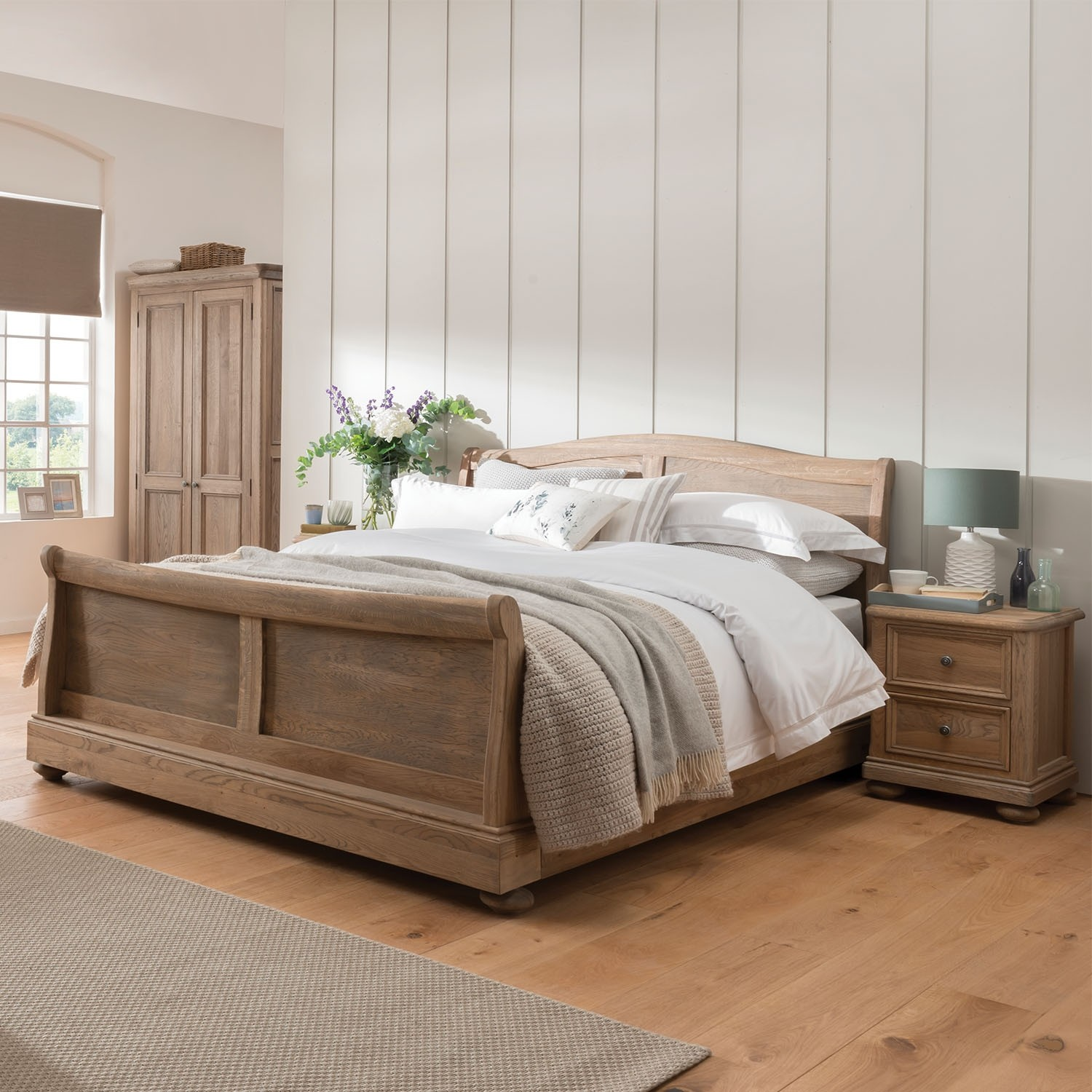 - Hunter Double Sleigh Bed Frame
