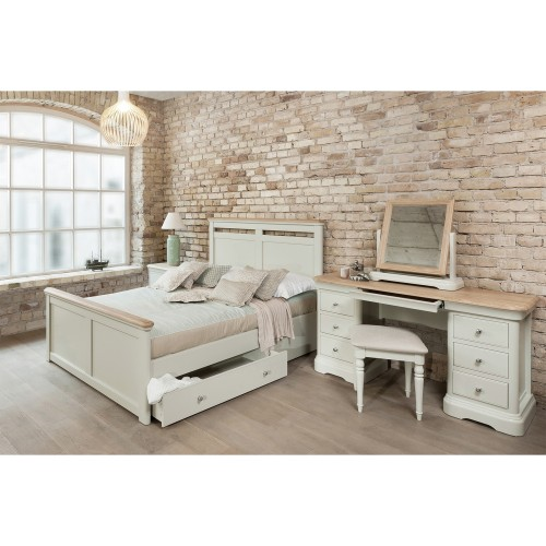 Casa Cherbourg Bed with Storage, King